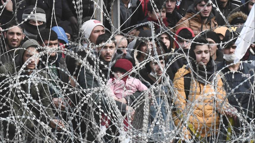 Turci uklanjaju ogradu na granici i puštaju migrante