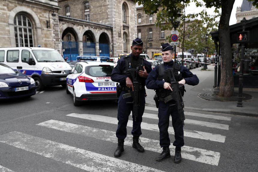 Pucnjava u džamiji u Parizu, ima poginulih
