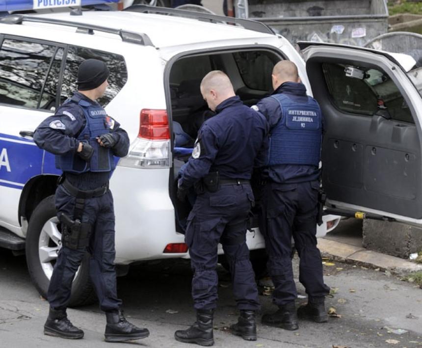 Uhapšeno osam osoba zbog zloupotrebe položaja