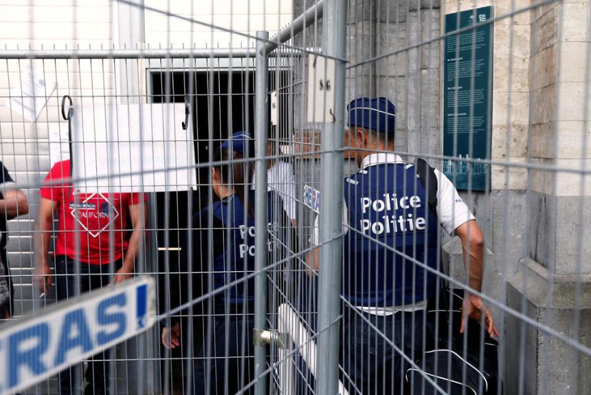 Haos zbog virusa korona, ubijeno šest osoba u zatvoru