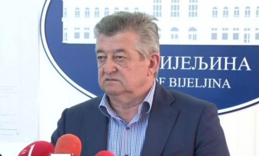 Predsjedništvo SDS-a danas smjenjuje Mića Mićića
