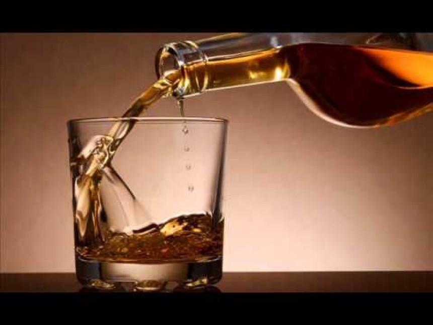 Štitili se od virusa pa umrli od trovanja alkoholom