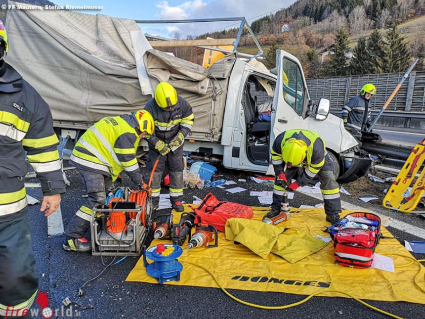 Težak sudar na auto-putu: Vozač iz BiH teško povrijeđen