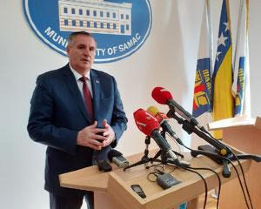 Radovan Višković bi da uređuje odnose u SDS-u?