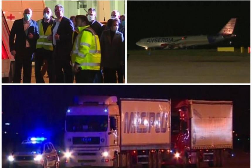 Srbija: Sletio avion sa stručnjacima i opremom iz Kine