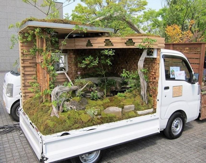 U Japanu se takmiče u pravljenju baštenskih pejzaža na kamionima!