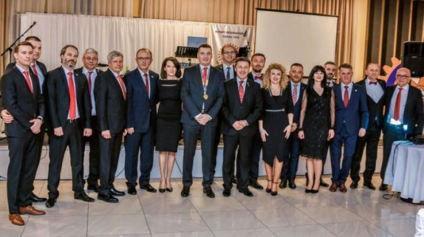 """""""Rotari klub"""" donirao pomoć bolnici u Bijeljini"""