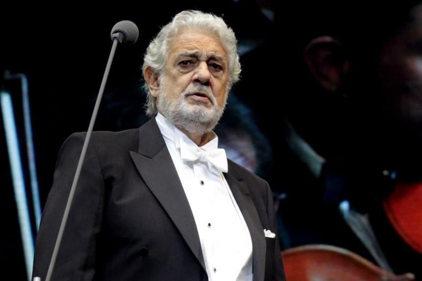 Operski pevač zaražen korona virusom prebačen u bolnicu!