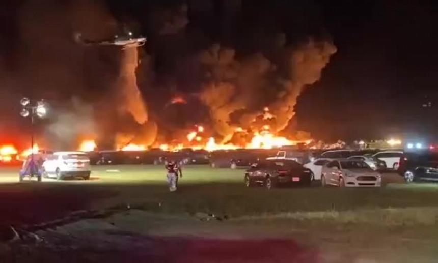 Zastražujući požar na Floridi, uništeno preko 3.000 vozila