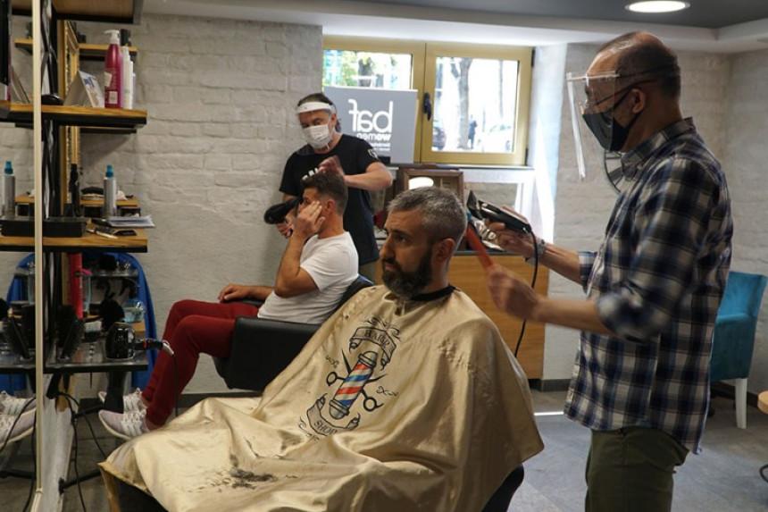 Građani jedva dočekali otvaranje frizerskih salona