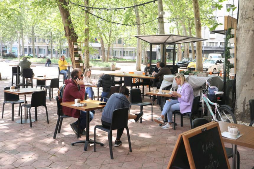 Srbija: Počeli sa radom kafići i restorani