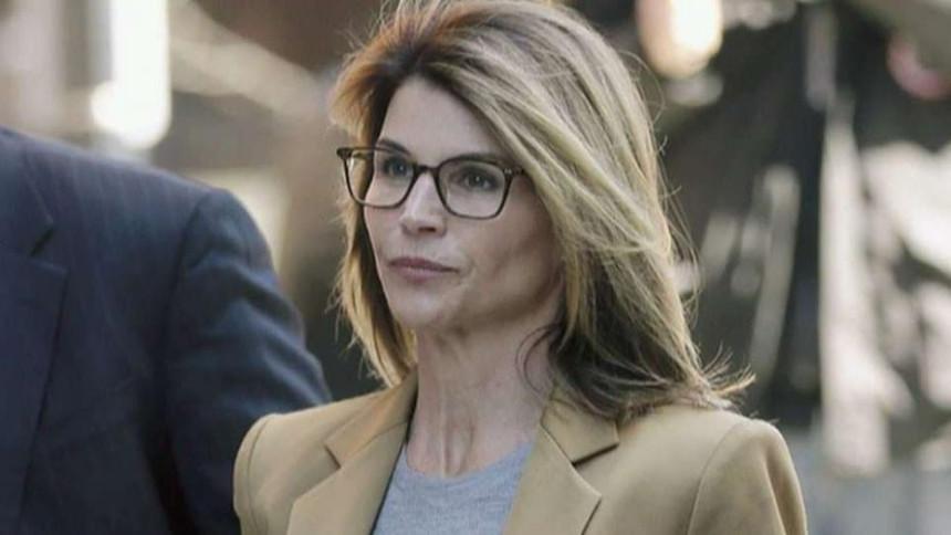 Slavna Lori ide u zatvor: Posle 14 meseci priznala krivicu o milionskoj prevari!
