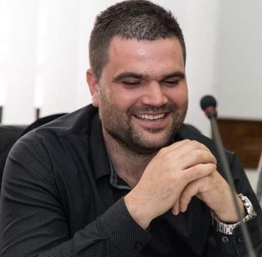 Vasić se povukao, na čelo OO SDS Prnjavor došao Petrović