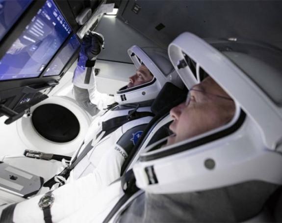 Prvi put u svemir lansirana raketa sa astronautima