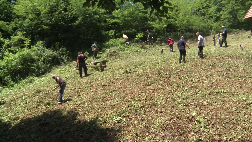 Srpski povratnici pomažu svojim komšijama Hrvatima
