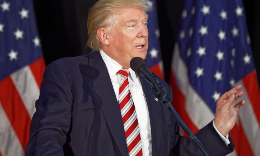 Tramp poručio: Nećemo ponovo zatvarati zemlju
