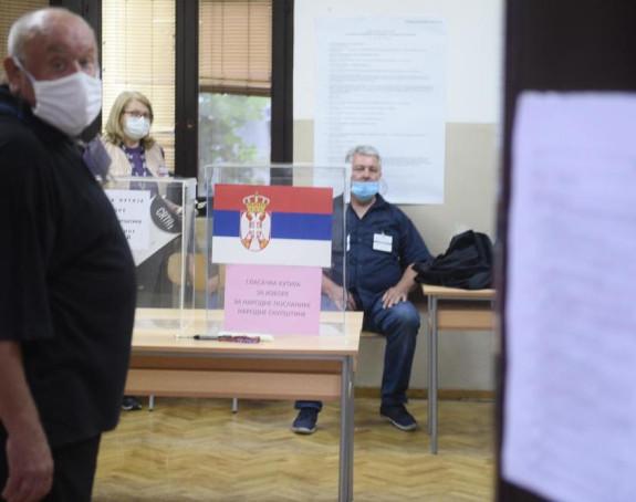 Otvorena biračka mjesta u Srbiji, počelo glasanje
