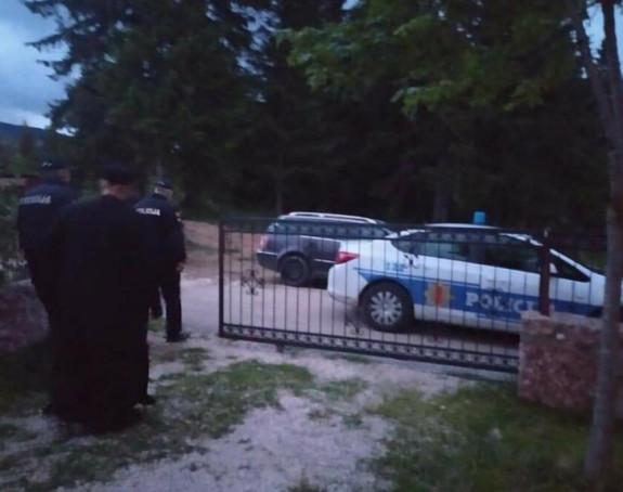 Sveštenici u Baru i Nikšiću pušteni na slobodu