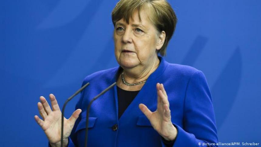 Merkel poručila: Još nije prošla opasnost od virusa