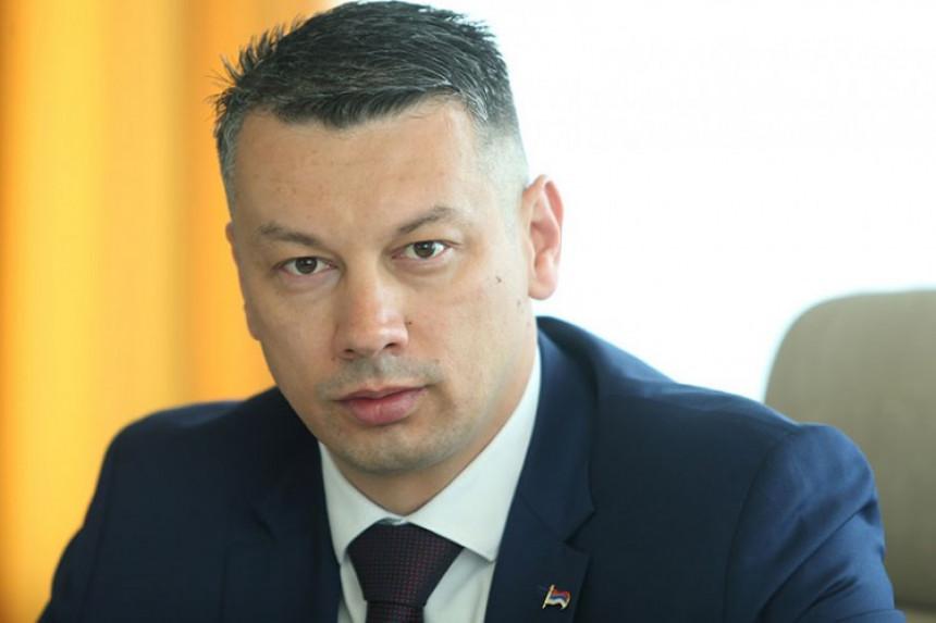 Nenad Nešić napao Čubrilovića,kaže da je unizio rad NSRS