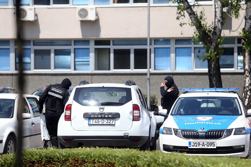 Banjaluka: Policija zatekla muškarce da se drogiraju