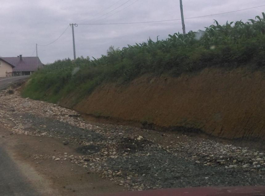 Novi asfaltni put izdržao do prvih obilnijih kiša