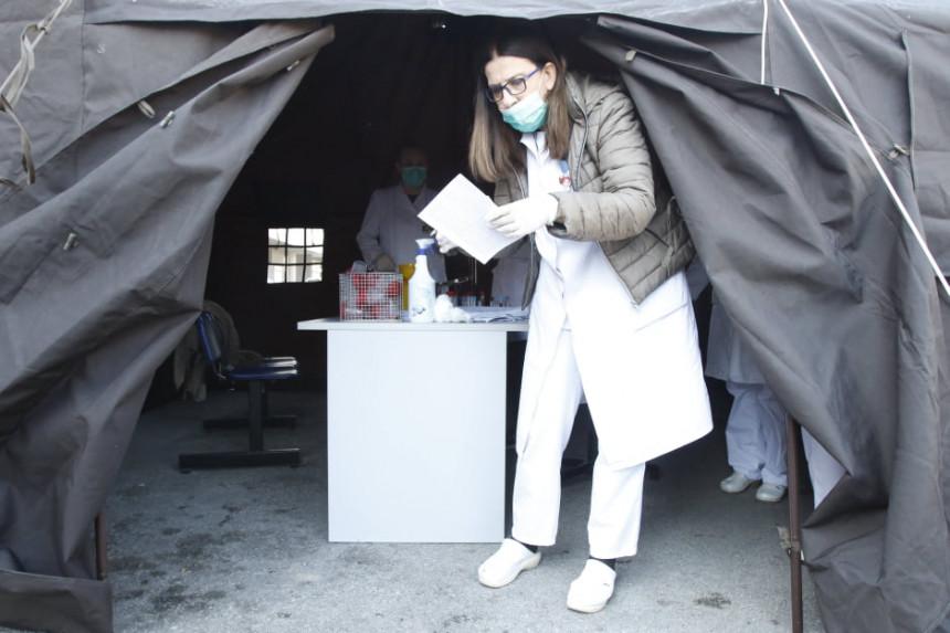 SA: Medicinari se povukli sa trijažnih punktova