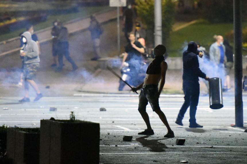 Ухапшен страни држављанин, учесник протеста у Београду