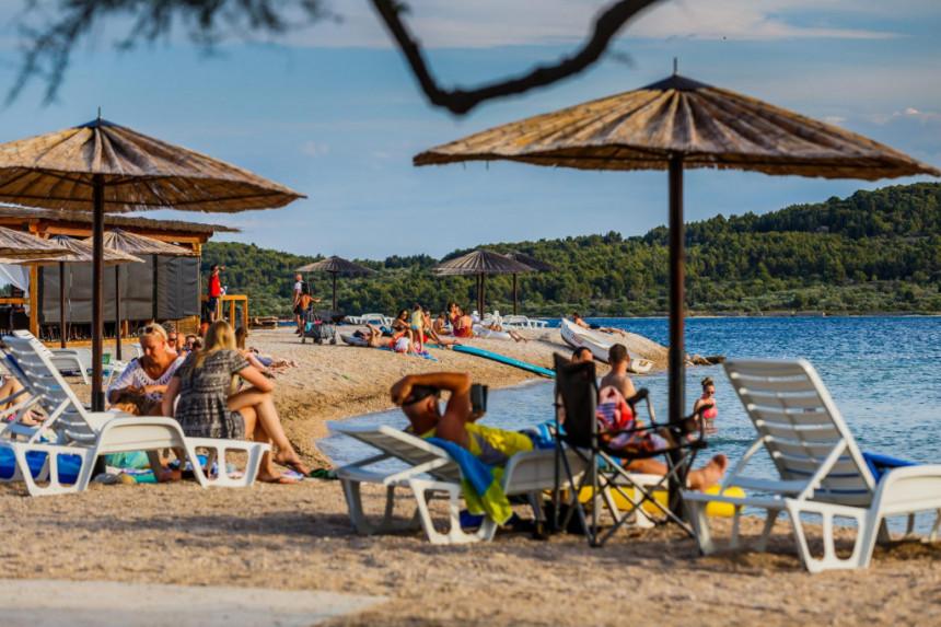 U Hrvatskoj oko 16.000 turista iz Srbije i BiH