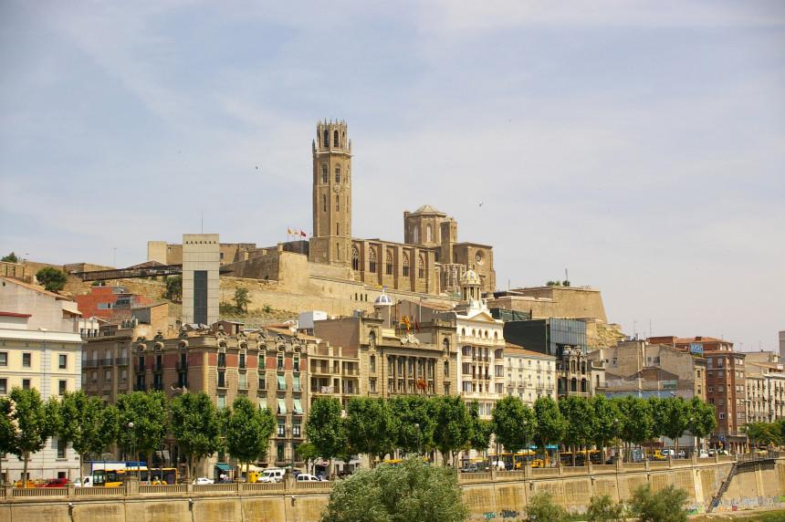 """Шпанија: Први град који се враћа """"под кључ"""" због вируса"""