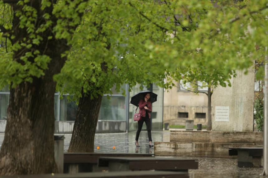 Danas nestabilo uz kišu i pljuskove, temperatura u padu