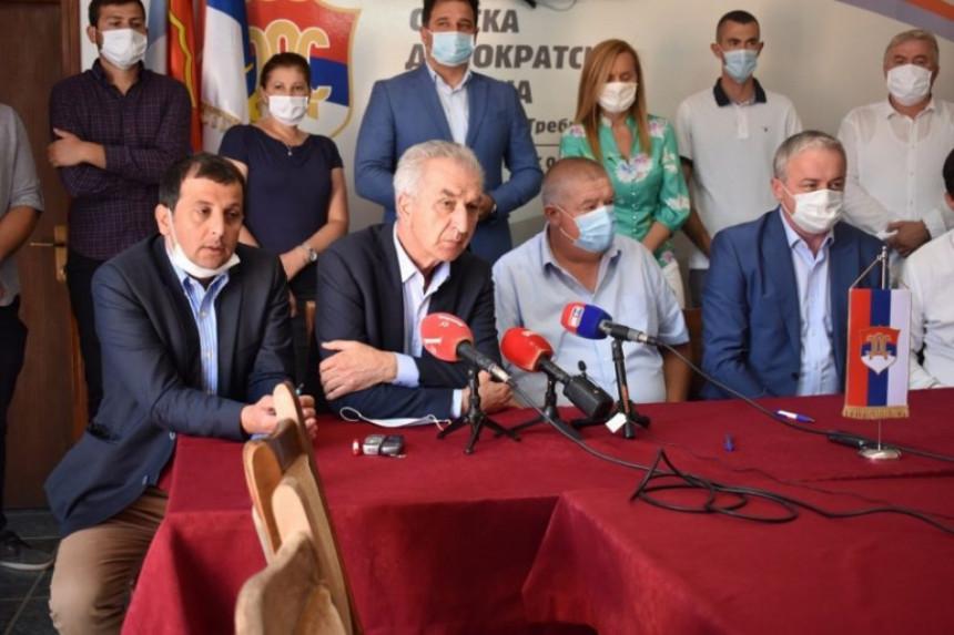 Trebinje: Procurio tekst sporazuma opozicije