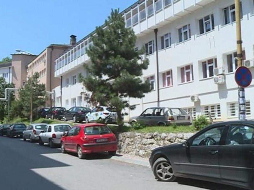 Zvornik: Zaražen direktor bolnice i deset zaposlenih