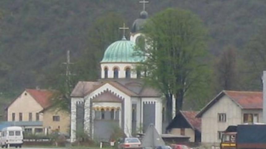 Opljačkana crkva u Blažuju, ukradeni krstovi, kandila..
