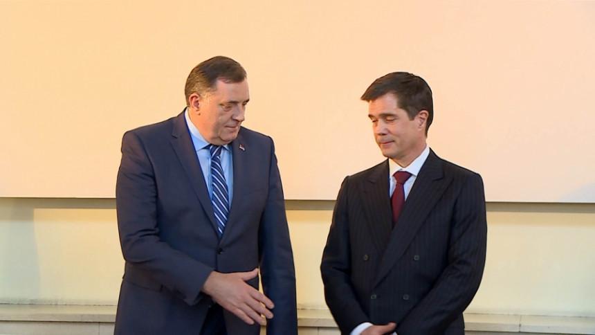 Evo šta je Miloradu Dodiku poručila Ambasada SAD