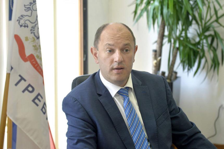 Petrović ucjenjuje zaposlene za glas na izborima