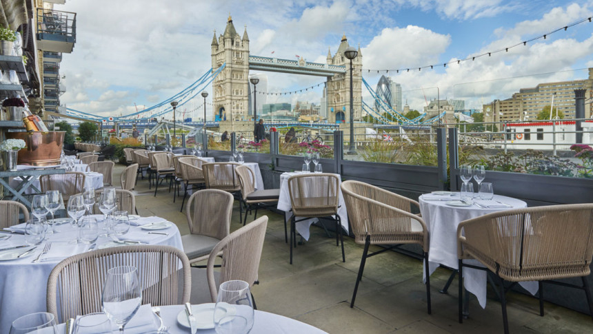 Britanska vlada građanima plaća ručak u restoranu