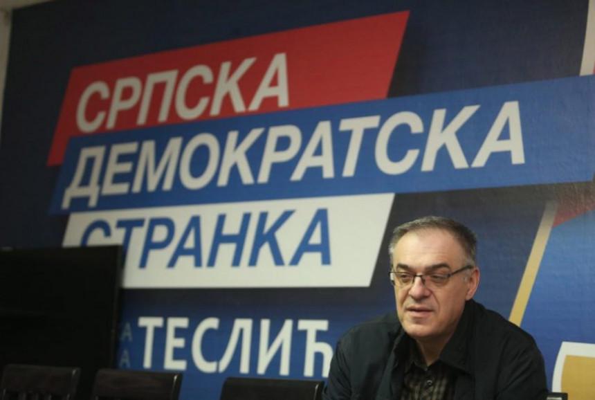 Активиста СНСД-а напао начелника Миличевића