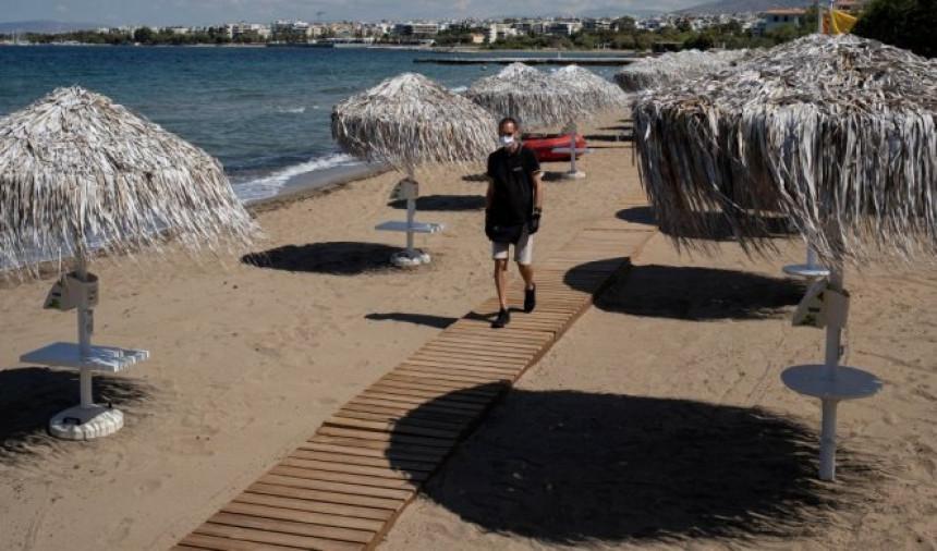 Грци су срећни јер нема Срба на плажи?!
