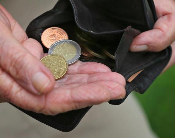 Ko prima najnižu a ko najveću penziju u Republici Srpskoj