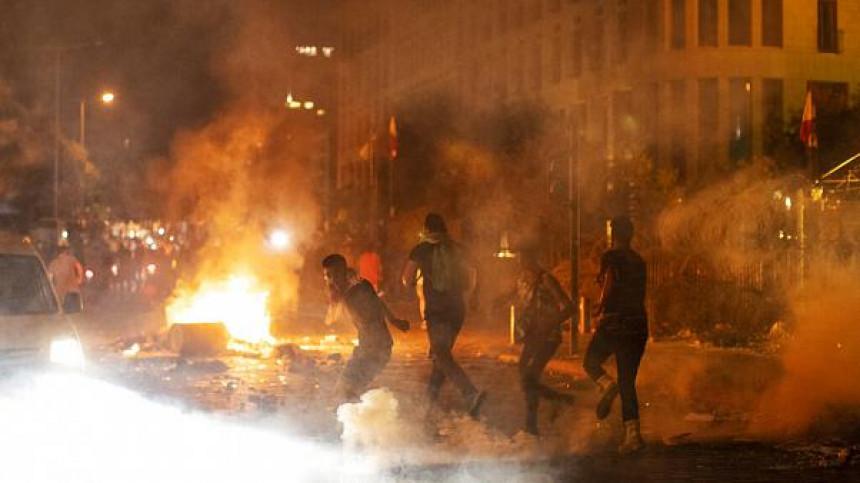 Sukobi u Bejrutu: Demonstranti upali u institucije
