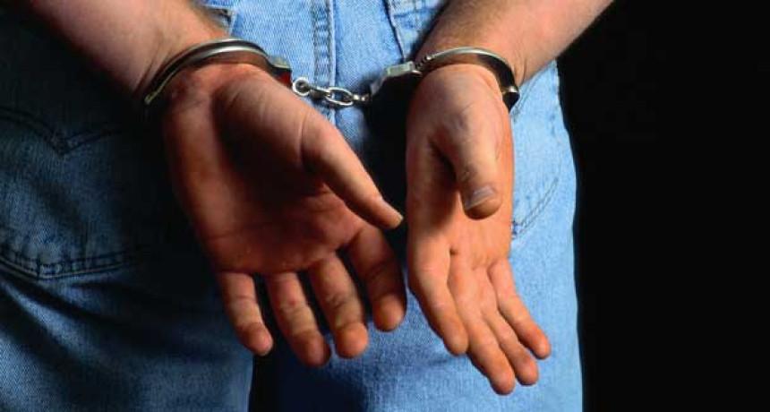 Uhapšeno šest lica zbog sumnji da trguju oružje