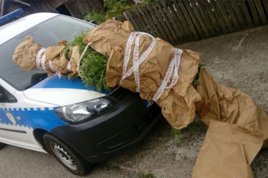 Doboj: U akciji pronađena droga i oružje