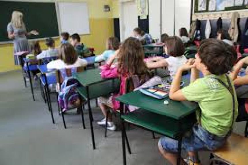Đaci se vraćaju u školske klupe 1. septembra