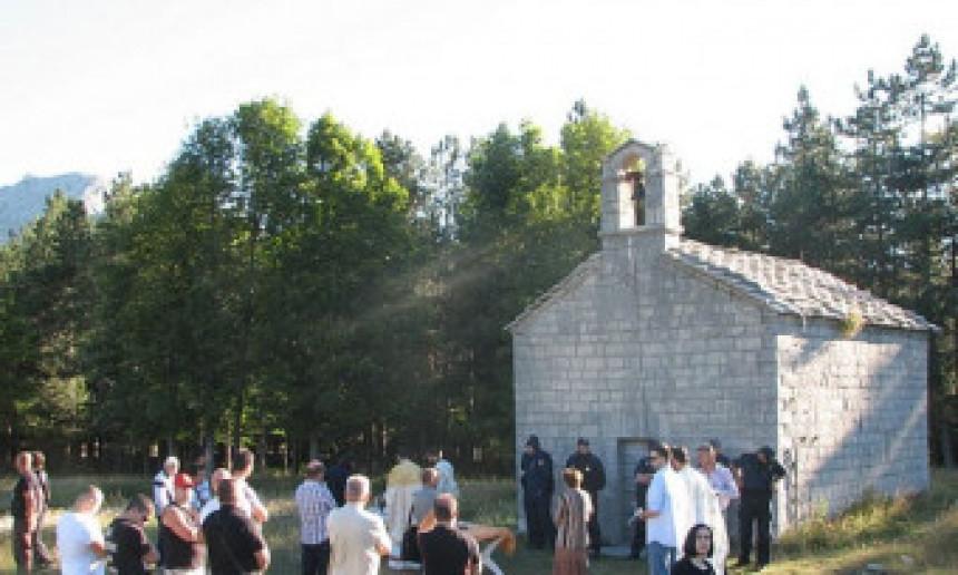 Policija zabranila bogosluženje u Crkvi na Cetinju