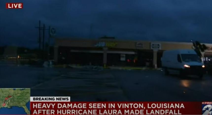 Snažan uragan Lora hara Amerikom (VIDEO)