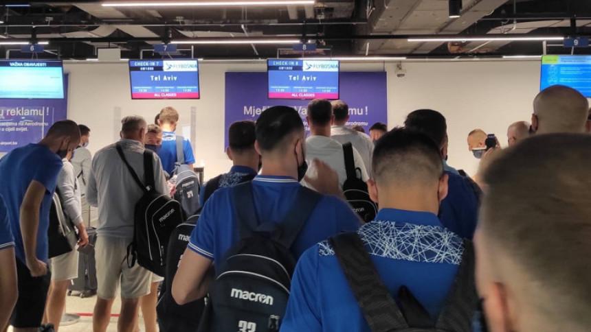 Drama u Sarajevu: Igračima ne daju da napuste aerodrom