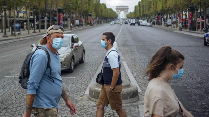 Protesti u Parizu zbog obaveznog nošenja maski