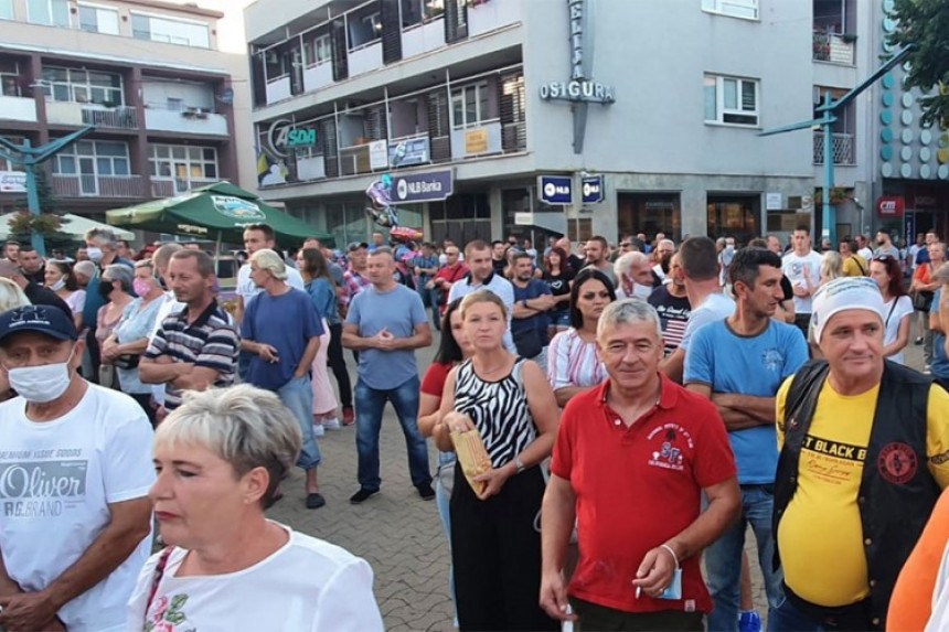 Građani na ulicama Bihaća zbog migranata