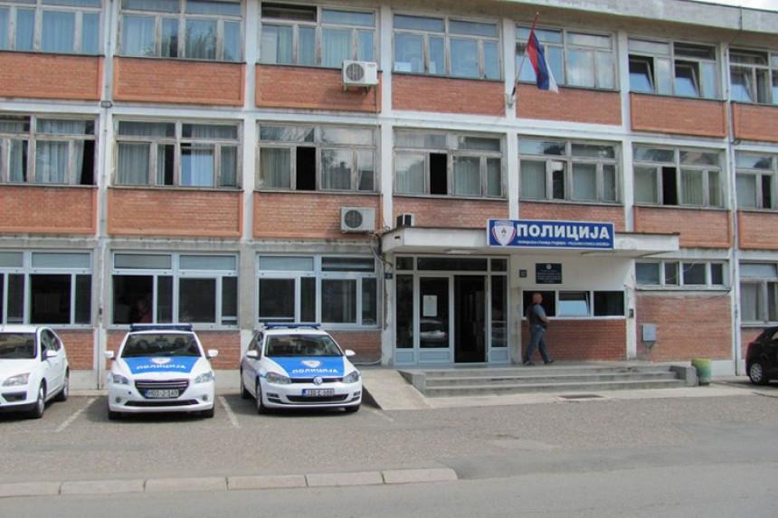 Bombom na kuću vlasnika hostela u Gradišci